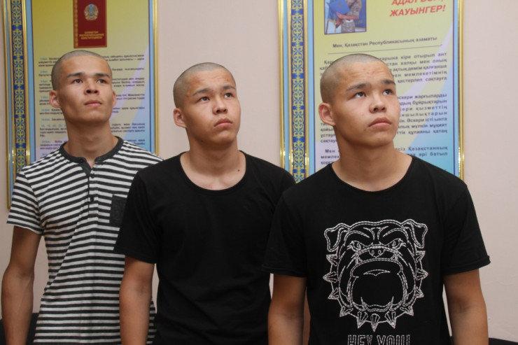 В Уральске в одном из полков Нацгвардии служат братья-тройняшки, фото-1